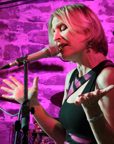 Fern Lindzon Trio performs at Merrickville's Jazz Fest